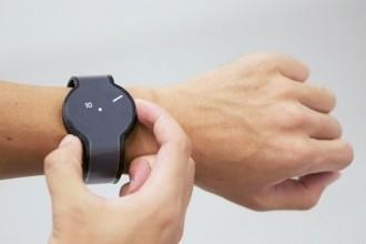 sony e-ink akıllı saat