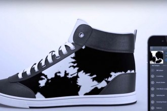 shiftwear-e-ink-sneakers-1