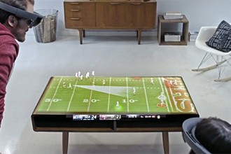 microsoft-NFL-hololens-sports-concept-designboom-03-818x325