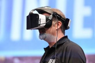 intel sanal gerçeklik gözlüğü